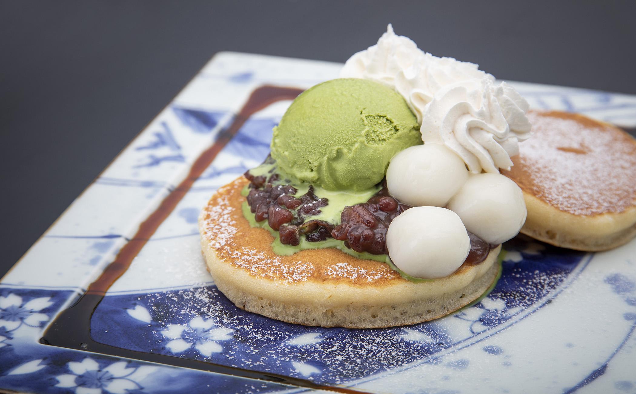 宇治抹茶アイスと小豆のパンケーキ